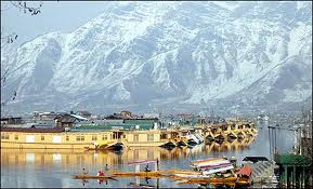 Jammu Kashmir packages from Hyderabad, Dal Lake, Shikara Ride, Rose Garden  tour from Hyd to Jammu Kashmir, Tour operators for Jammu Kashmir Love My Tour