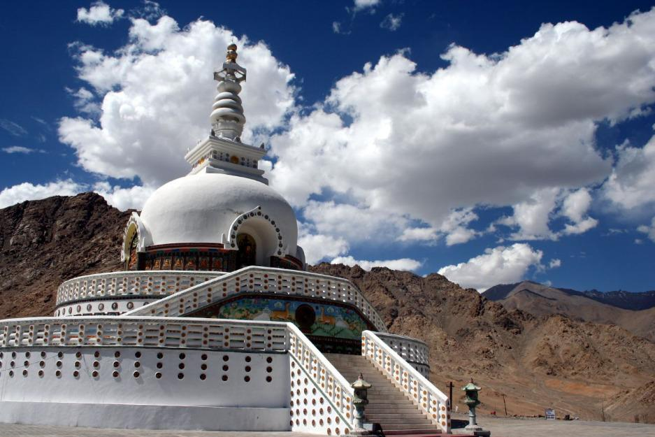 Leh Ladakh tour packages from Hyderabad, Honeymoon Holiday packages Operator in Hyderabad, Best Jammu Kashmir tour packages for couples from Hyd, Tour operators for Leh Ladakh